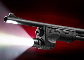 Surefire DSF-870Ultra-High Two-Output-Mode LED WeaponLight for Remington 870